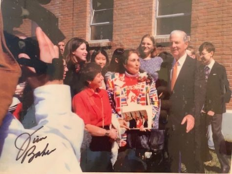 McLendon and her students accepted an invitation to Rice University at the Baker Institute to meet Secretary of State James Baker. Everyone gathers around outside of the school for press photos and to answer questions from reporters.